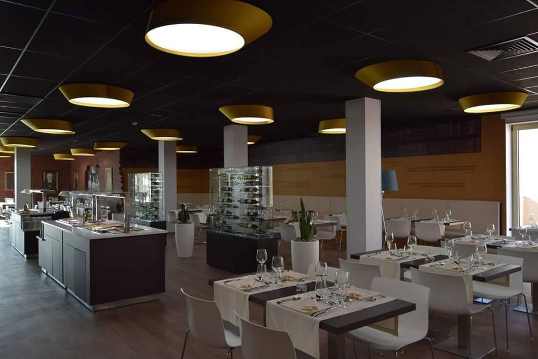 Imagem geral do espaço: Bares e clubes  por Área77 - arquitectura, engenharia e design, lda,
