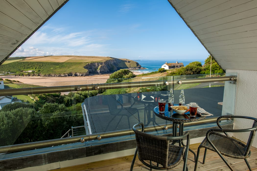 Headlands, Mawgan Porth | Cornwall โดย Perfect Stays ผสมผสาน