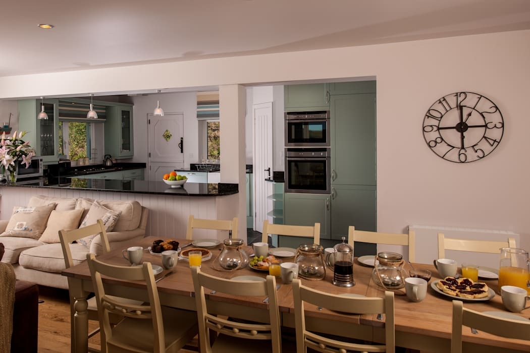 Headlands, Mawgan Porth | Cornwall Ruang Makan Gaya Eklektik Oleh Perfect Stays Eklektik