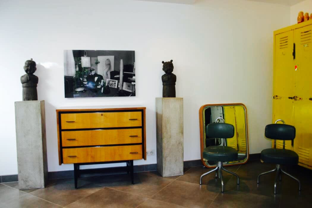 Check shops :  Living room by Joseph Bawar
