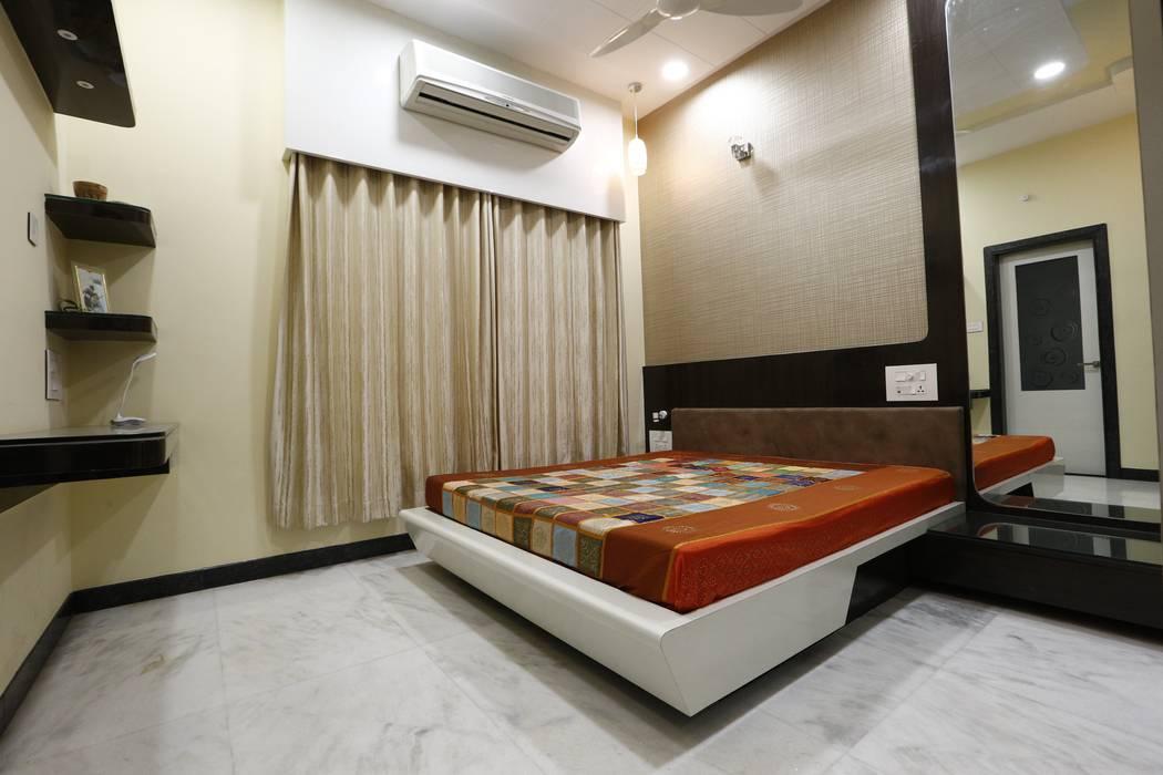 Cuartos de estilo moderno de RAVI - NUPUR ARCHITECTS Moderno