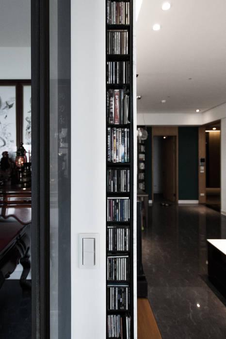 BRAVO INTERIOR DESIGN & DECO SIMPLY STYLE 璞碩室內裝修設計工程有限公司 現代風玄關、走廊與階梯