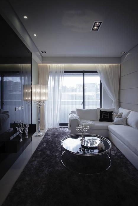 BRAVO INTERIOR DESIGN & DECO LUX STYLE 现代客厅設計點子、靈感 & 圖片 根據 璞碩室內裝修設計工程有限公司 現代風