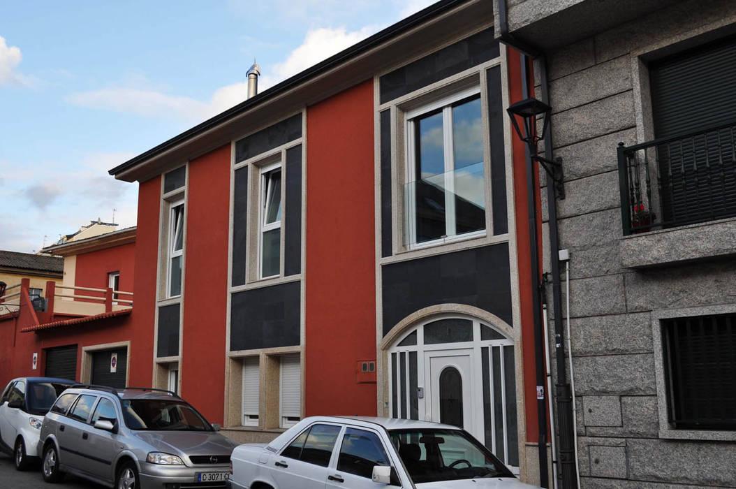 Maisons classiques par Intra Arquitectos Classique