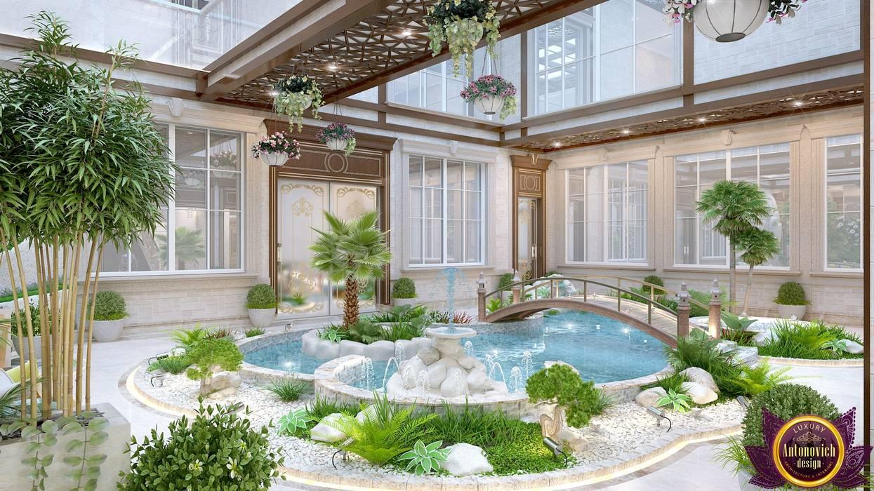 Interior the swimming pool of Katrina Antonovich by Luxury Antonovich Design Mediterranean