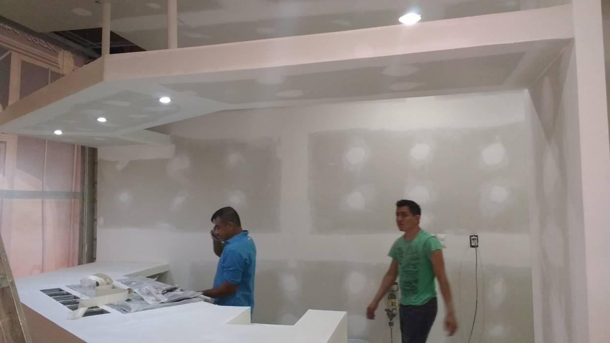 Sistema constructivo: Centros Comerciales de estilo  por M4X