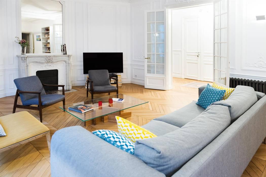 Autour d'une cuisine Dînatoire Salon moderne par ATELIER FB Moderne