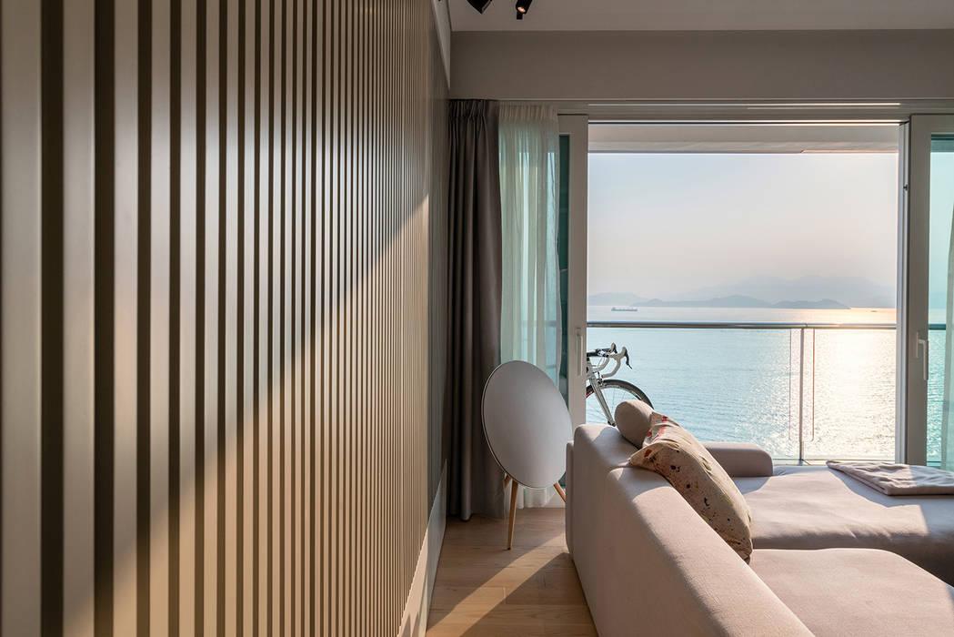 Minimalist living room by arctitudesign Minimalist Plywood