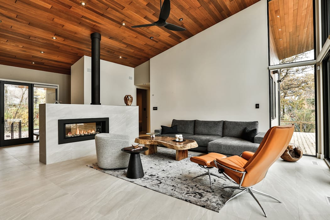 Winnipeg beach weekend home:  Living room by Unit 7 Architecture