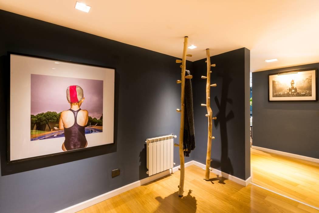 Couloir et hall d'entrée de style  par Interiores B.AP, Rustique