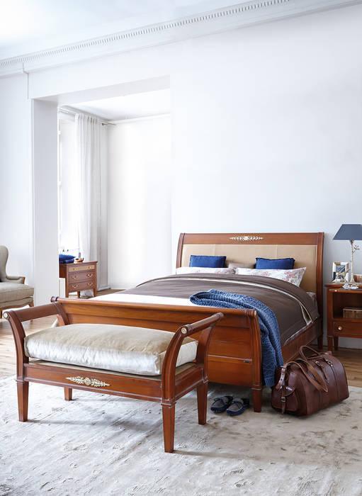 Conexo. Cuartos de estilo moderno Madera maciza Acabado en madera