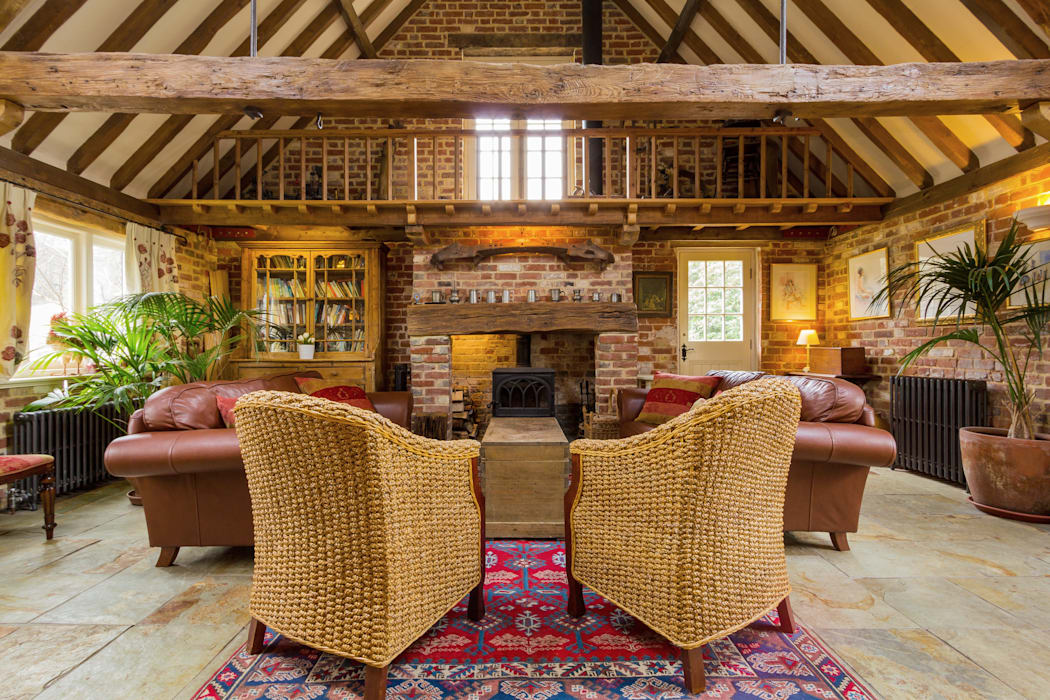 Converted Barn - Family Room Country style living room by homify Country Wood Wood effect