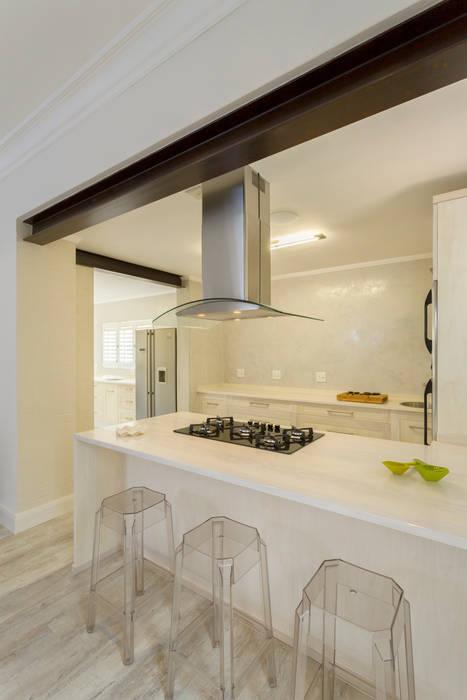 Minimalistische Küchen von Deborah Garth Interior Design International (Pty)Ltd Minimalistisch