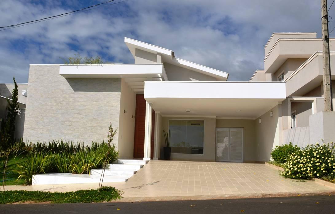 Minimalist houses by Paula Ferro Arquitetura Minimalist
