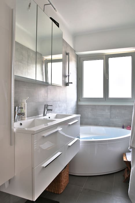 La salle de bain: Salle de bains de style  par Fabien Denis DESIGN