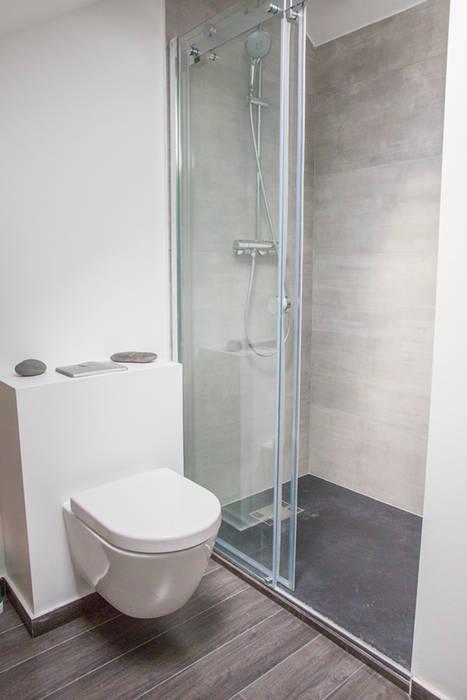 La salle d'eau: Salle de bains de style  par Fabien Denis DESIGN