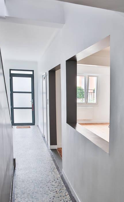 L'entrée: Couloir et hall d'entrée de style  par Fabien Denis DESIGN
