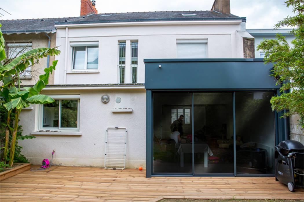 L'extension: Maisons de style de style Moderne par Fabien Denis DESIGN