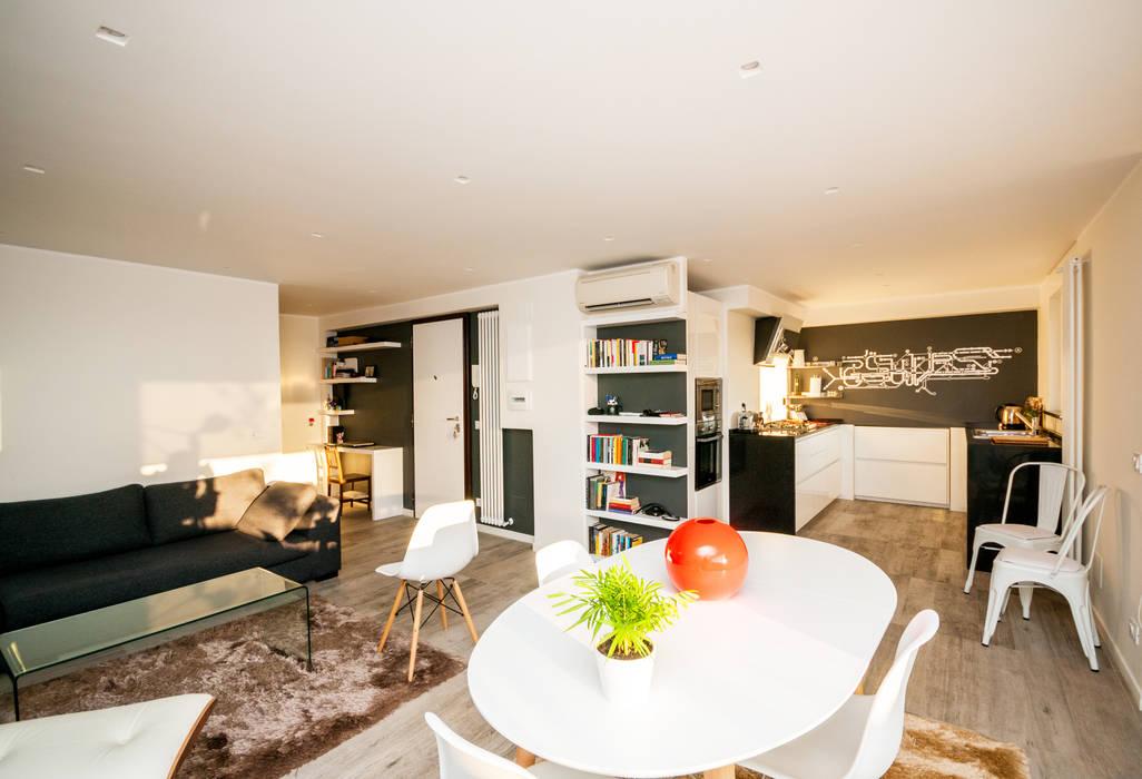 Ristrutturazione appartamento 50 mq Ruang Keluarga Modern Oleh Fabiola Ferrarello architetto Modern Kayu Wood effect