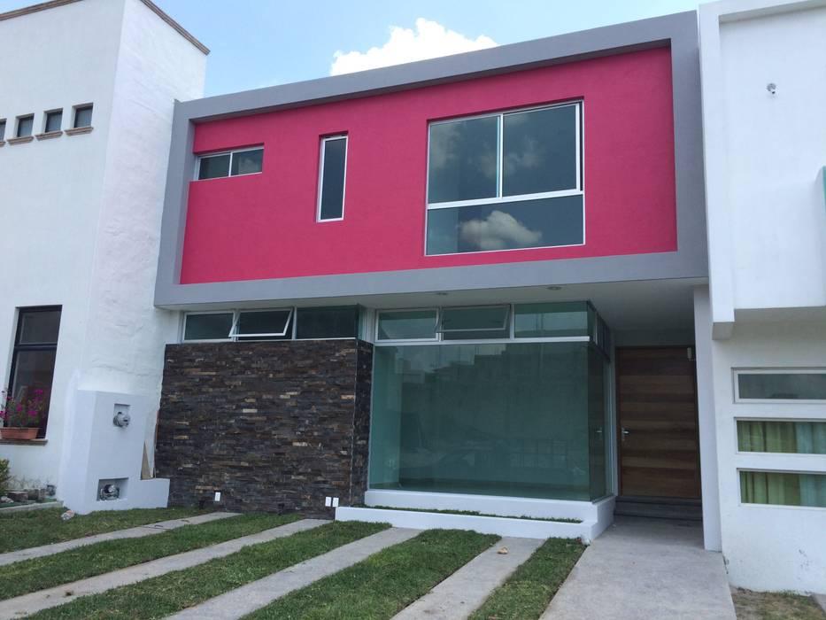 Fachada Casas de estilo minimalista de Base-Arquitectura Minimalista