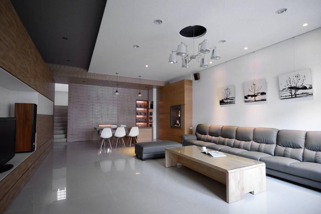別墅設計多元木大塊空間意象 根據 瓦悅設計有限公司 古典風