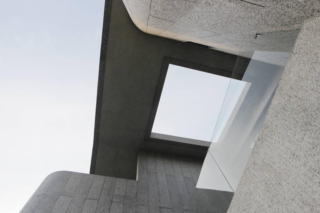 hiện đại  theo 行一建築 _ Yuan Architects, Hiện đại