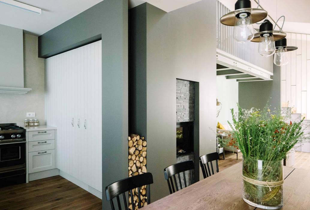 Гостиная в стиле модерн от Studio Perini Architetture Модерн