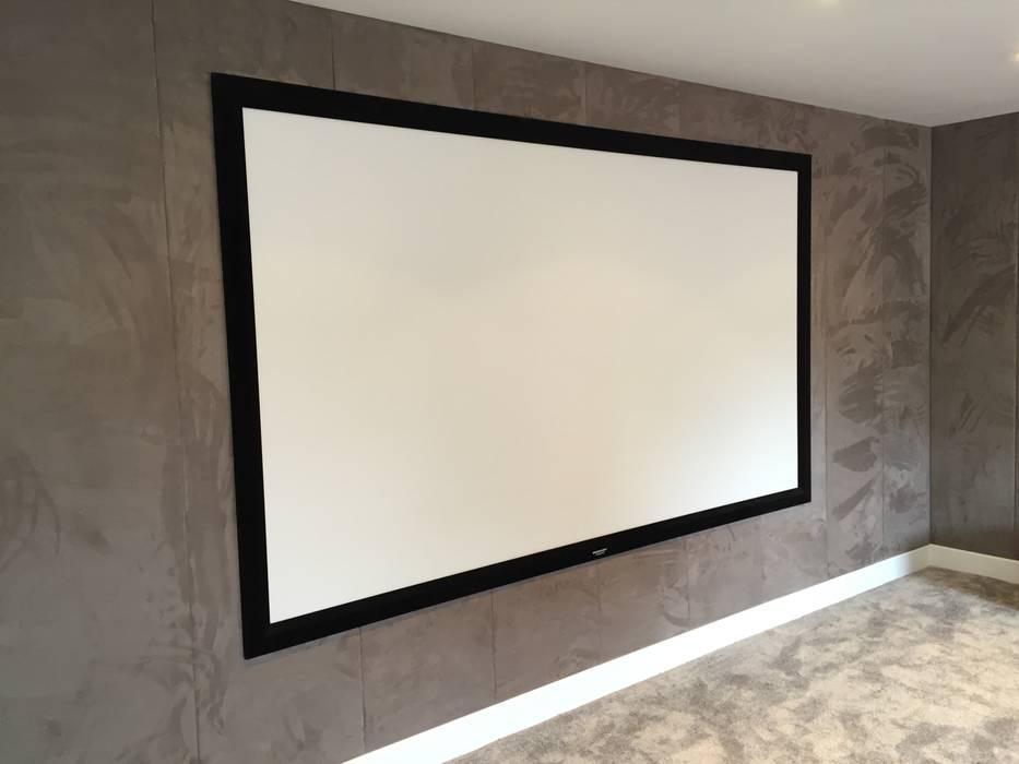 Cinema Room with bespoke suede fabric walls Designer Vision and Sound Sala multimediale moderna