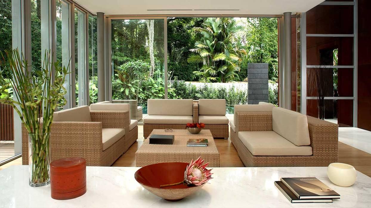 WHITEHOUSE PARK:  Living room by HB Design Pte Ltd,Asian