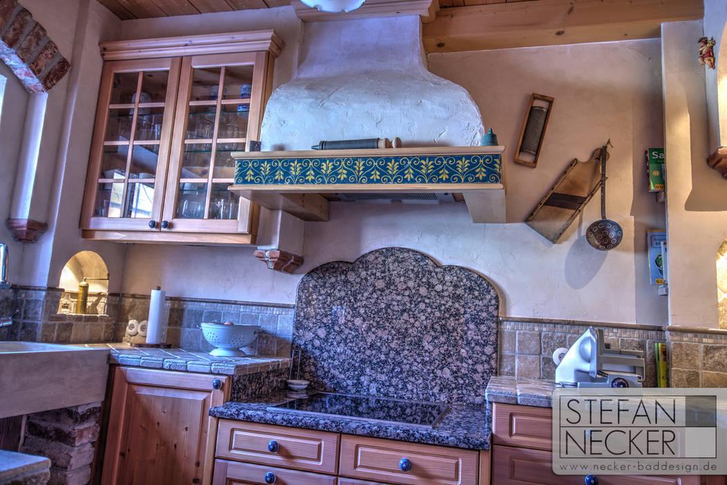 Stefan Necker Tegernseer Badmanufaktur & BadRaumKonzepte Mediterranean style kitchen