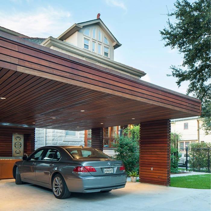 City Park Carport, New Orleans:  Garage/shed by studioWTA