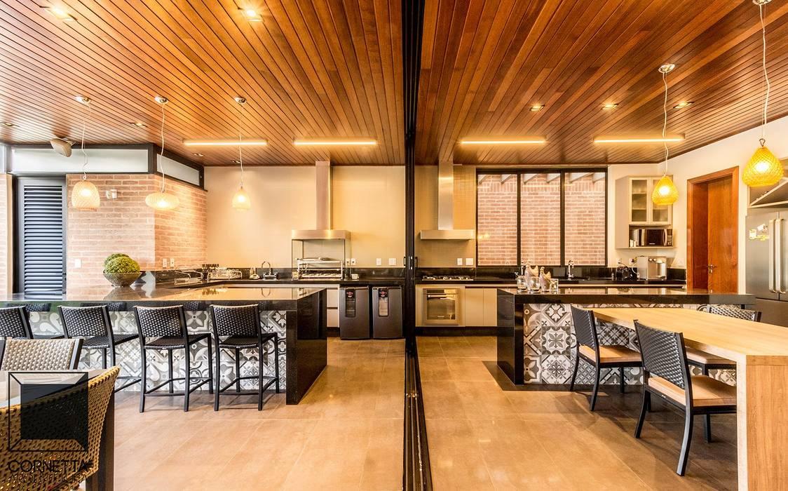 Casas de estilo  por Cornetta Arquitetura, Moderno