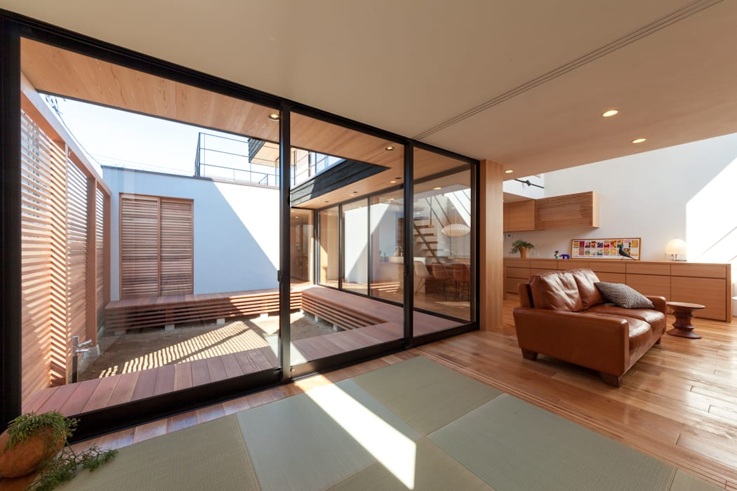 Japanese Room: STaD(株式会社鈴木貴博建築設計事務所)が手掛けた寝室です。