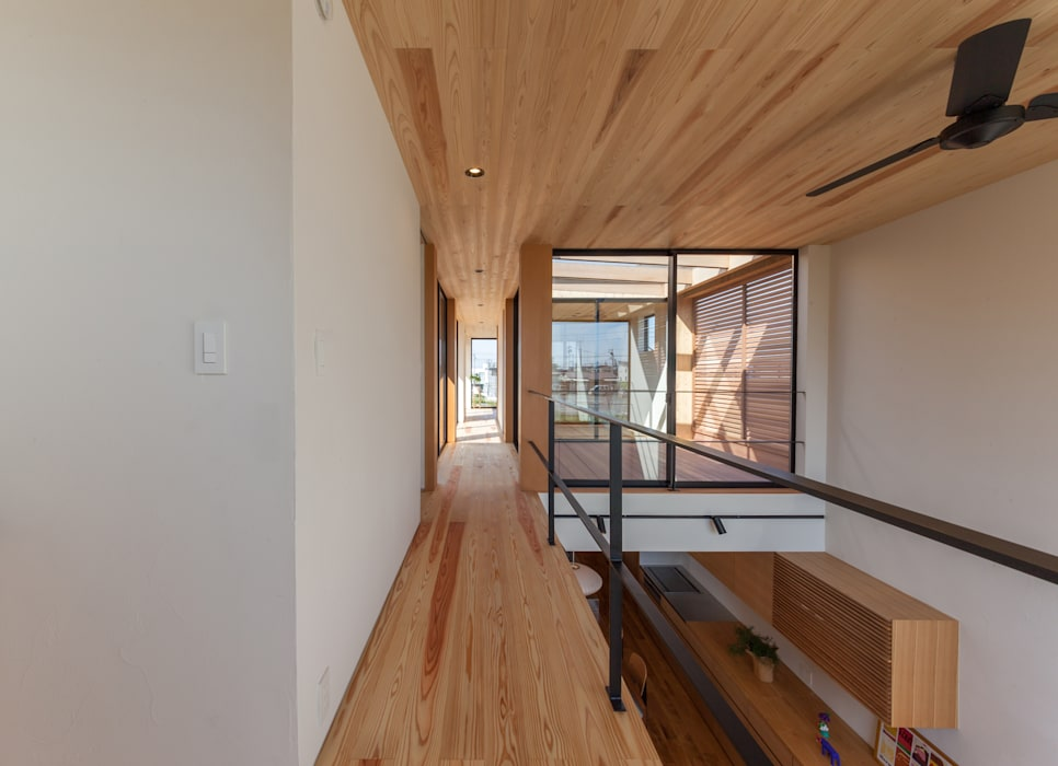 Second Hall: STaD(株式会社鈴木貴博建築設計事務所)が手掛けた廊下 & 玄関です。