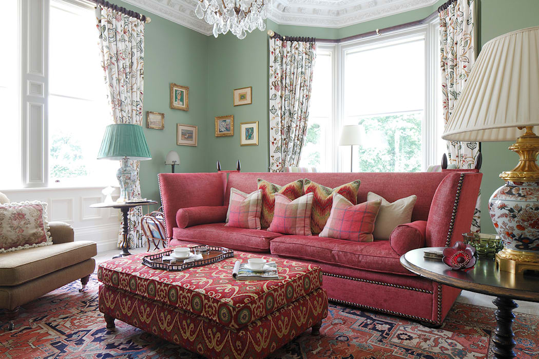 Knole sofa within classic english country style living room ...