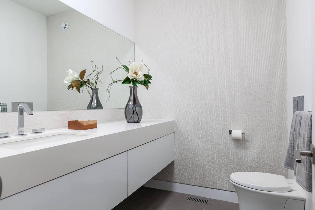 Badezimmer von Frahm Interiors, Modern