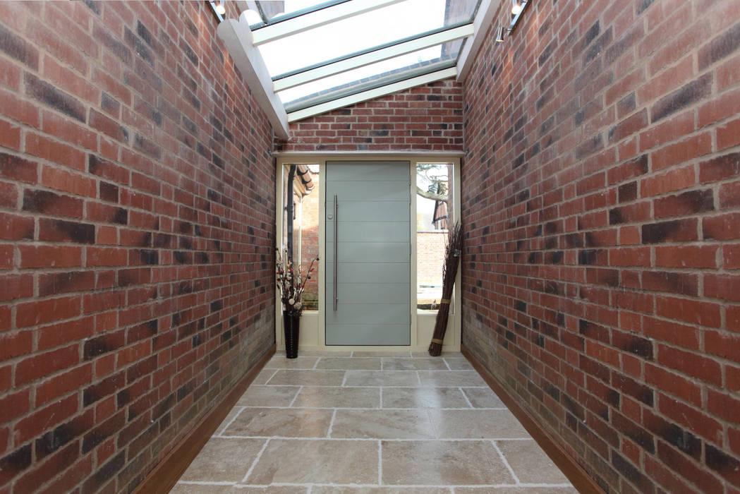 Cobblestone Barn Fenêtres & Portes modernes par Simplicity Timber Solutions Ltd Moderne Bois Effet bois