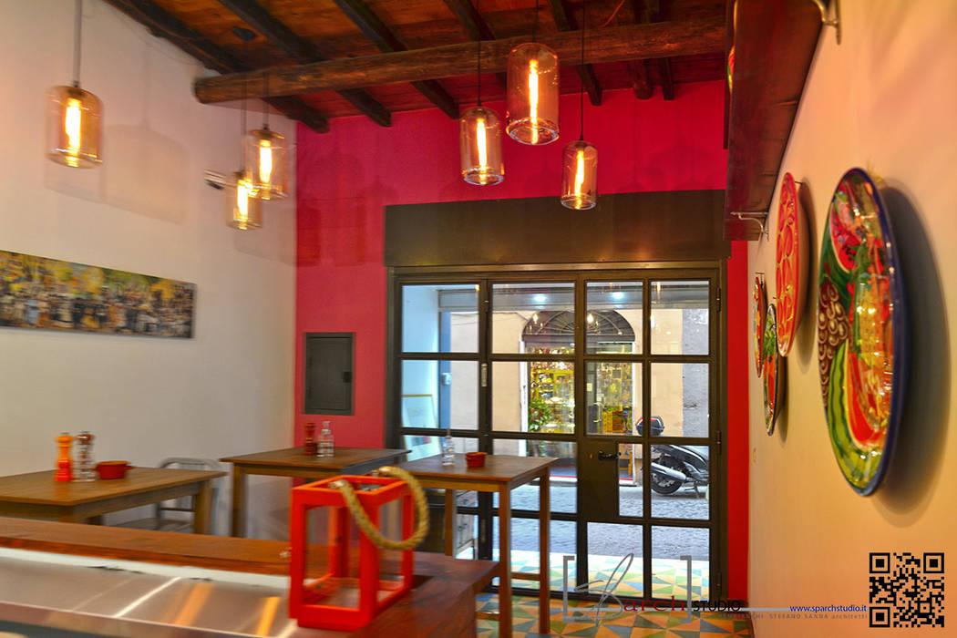 Take Away MV – colore colore colore: Bar & Club in stile  di arch. Paolo Pambianchi