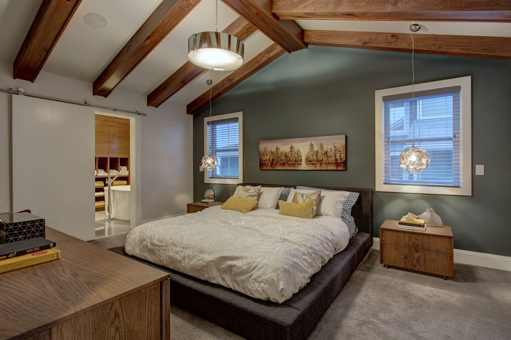61 Paintbrush Park: eclectic Bedroom by Sonata Design