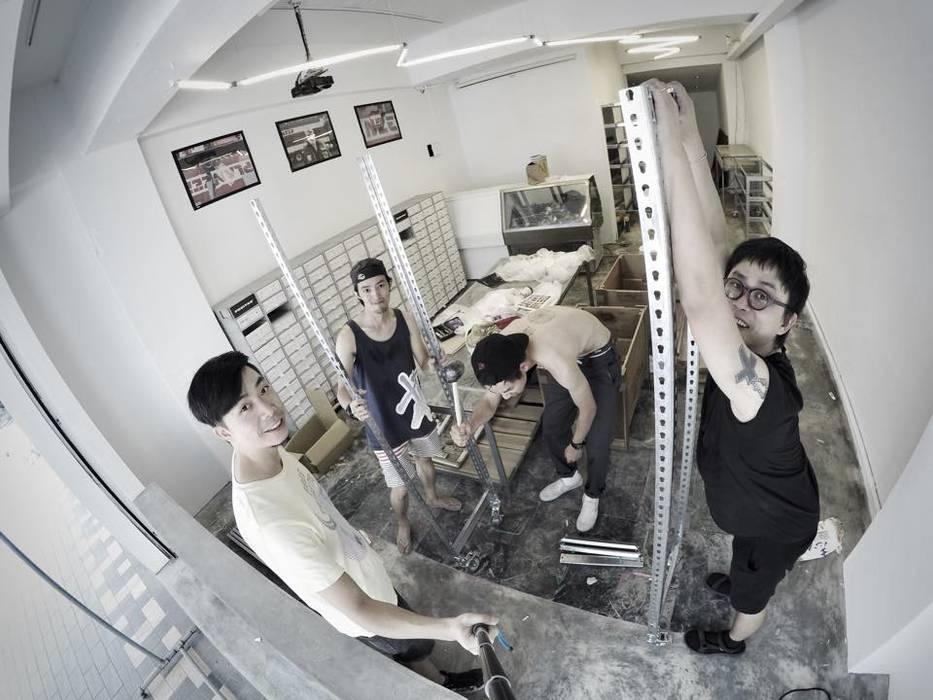 美式單車品牌 . 服飾店Nabiis :  展覽中心 by 光島室內設計