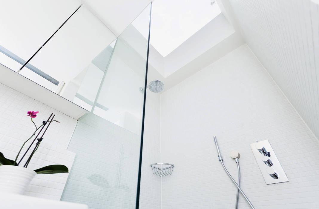 Extension & House Renovation SW18 - London Modern style bathrooms by Diamond Constructions Ltd Modern