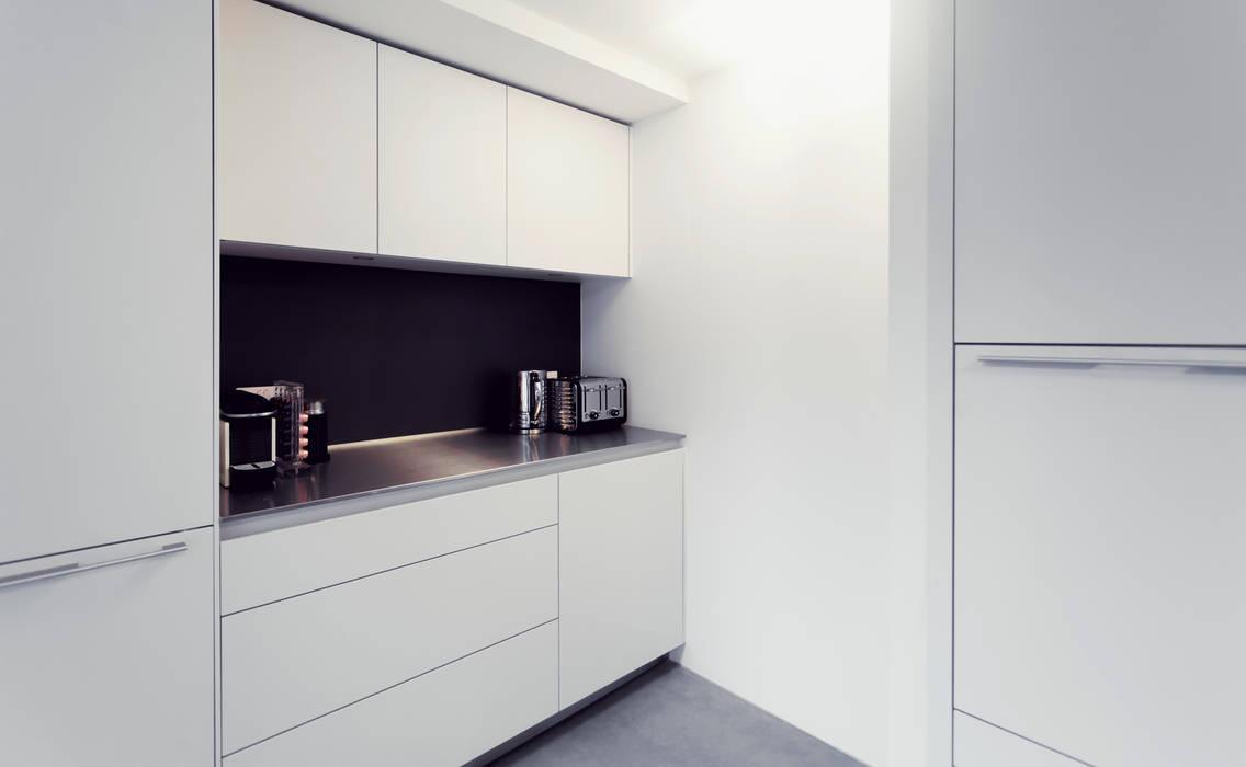 Extension & House Renovation SW18 - London Modern style kitchen by Diamond Constructions Ltd Modern