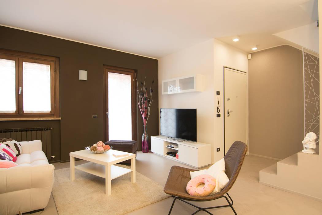 Ruang Keluarga oleh Rachele Biancalani Studio, Modern