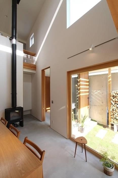 โดย MAG + 宮徹也建築計画 โมเดิร์น ไม้ Wood effect