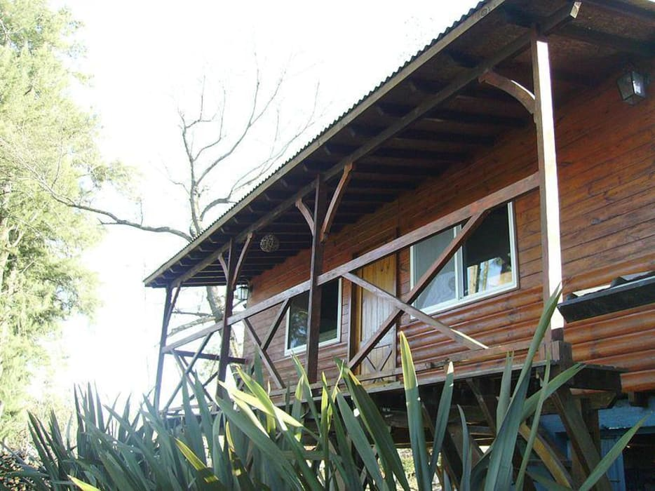 Carpintería y Decoración La Cucha Rustic style houses