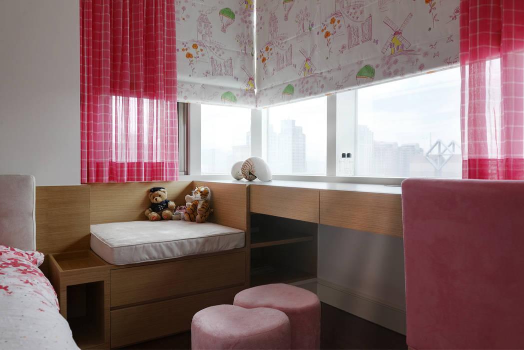 時尚精品宅:  臥室 by 大荷室內裝修設計工程有限公司