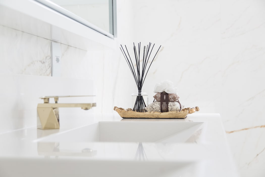 Banheiro Suíte Master Banheiros minimalistas por Cassiana Rubin Arquitetura Minimalista