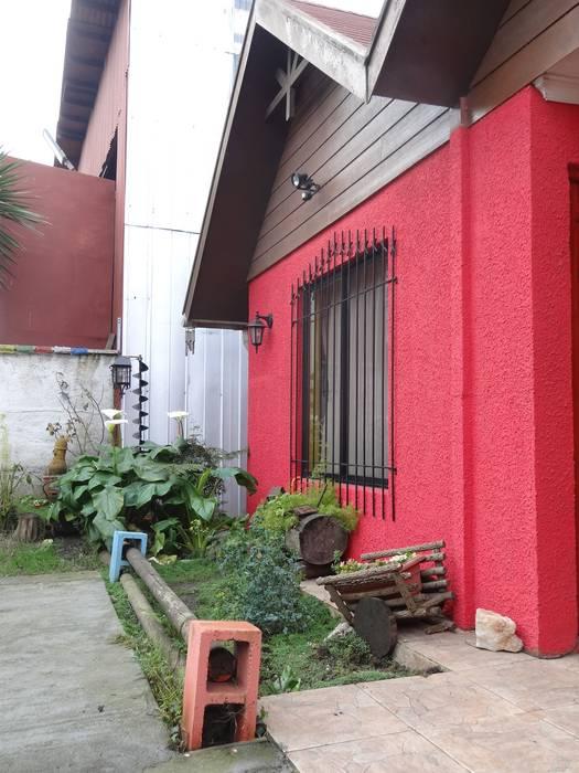 Fachada Principal: Casas de estilo  por Feng Shui y Arquitectura