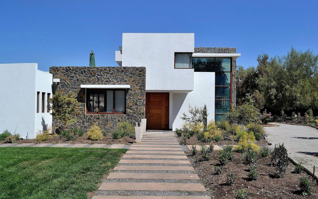 Casa Esquina 1 Marcelo Roura Arquitectos Casas estilo moderno: ideas, arquitectura e imágenes Concreto Blanco
