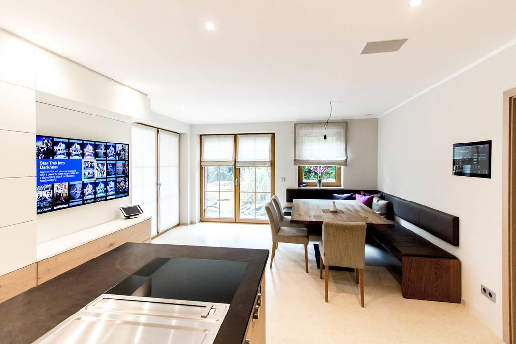Modern kitchen by casaio | smart buildings Modern